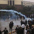 Three die as marauding Pakistan lawyers rampage through cardiac hospital
