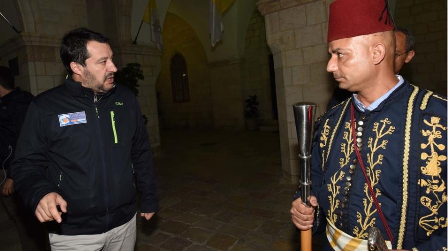 """Salvini in Israele: """"Hezbollah terroristi"""". Imbarazzo della Difesa: """"Parole preoccupanti"""""""