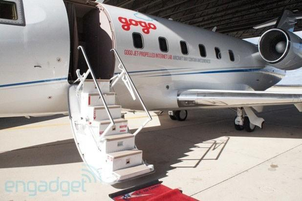 Gogo Text & Talk lets you send texts and make calls in-flight, using your own phone number (hands-on)