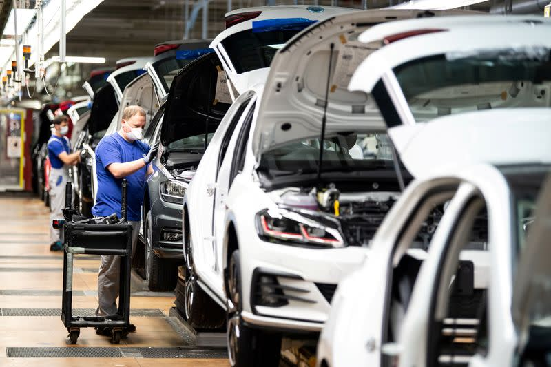 German economy is recovering from pandemic slump, Bundesbank data shows