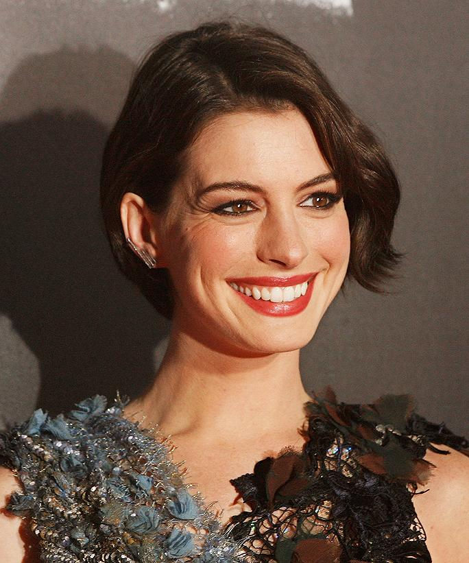 7 Times Birthday Girl Anne Hathaway Played With Our