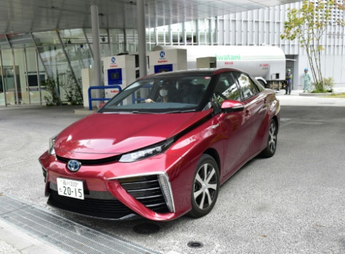 Japan carmakers make fresh push on hydrogen stations