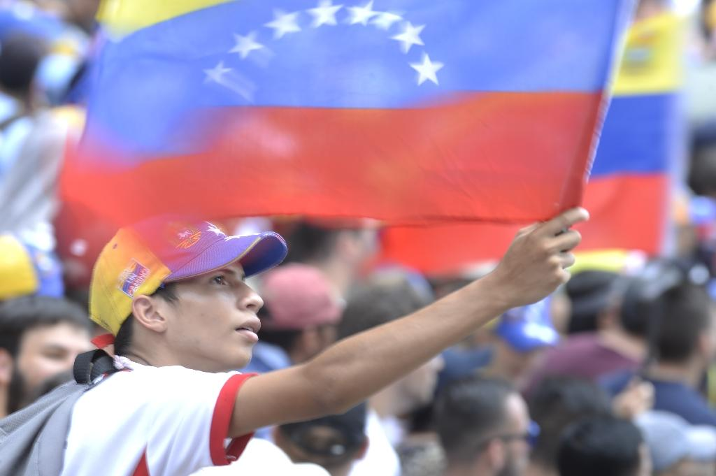 Demonstrators against Nicolas Maduro's government gather at Chacao municipality, east of Caracas on April 8, 2017 (AFP Photo/FEDERICO PARRA )
