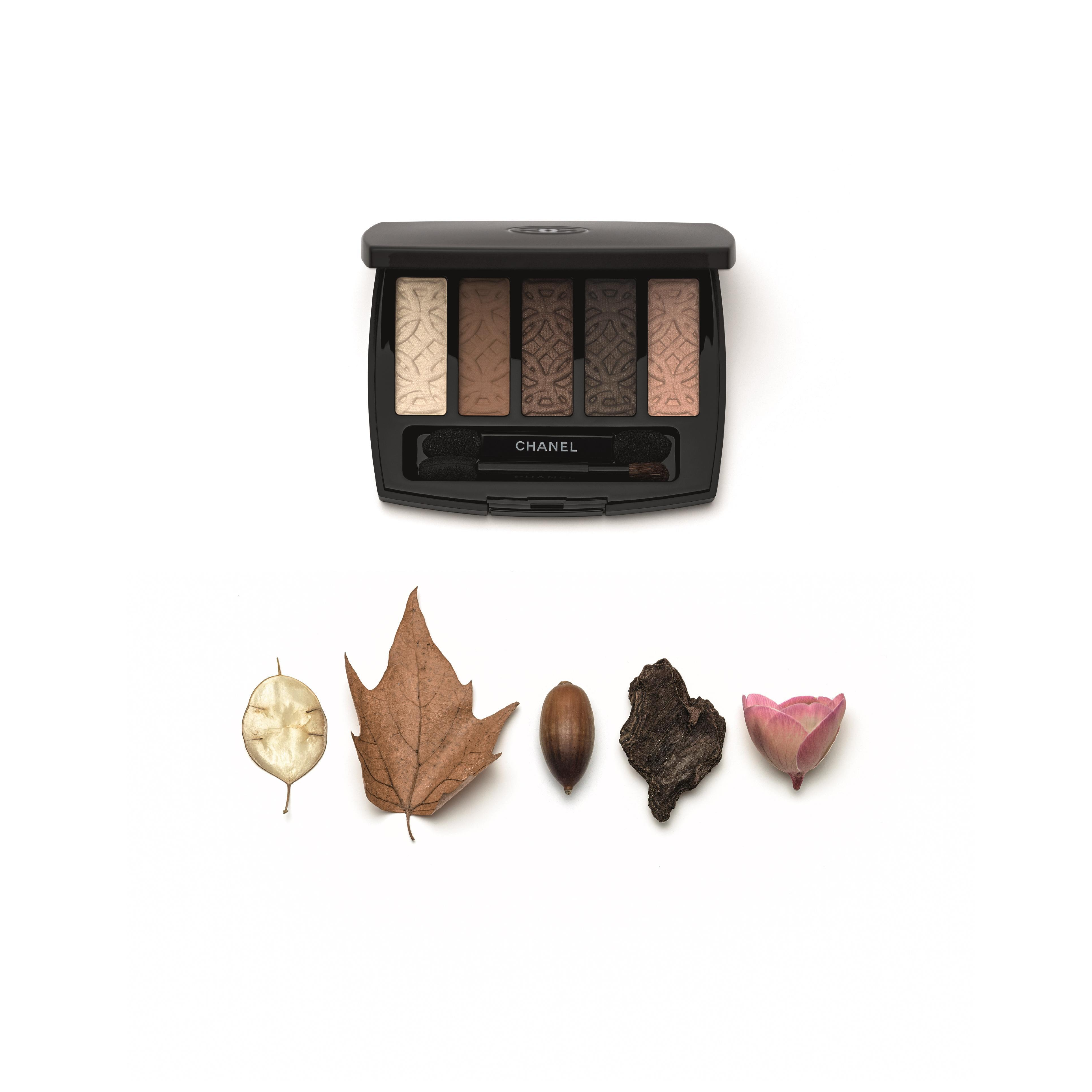 b554827ca21 Fall 2015 makeup  Chanel draws its inspiration from the turning leaves of  autumn