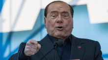 "Berlusconi prova a fermare la ""campagna acquisti"" di Renzi"