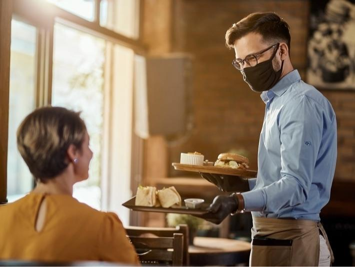 Restaurant and bar personnel can go back to work once they've been symptom-free for 24 hours, according to the latest coronavirus executive order from Gov. Brian Kemp.