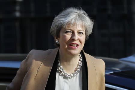 May dice que las elecciones evitan coincidir con el fin de la negociación del Brexit
