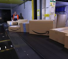 With Protests Raging in U.S., Amazon Curbs Operations and Apple Keeps Some Stores Closed