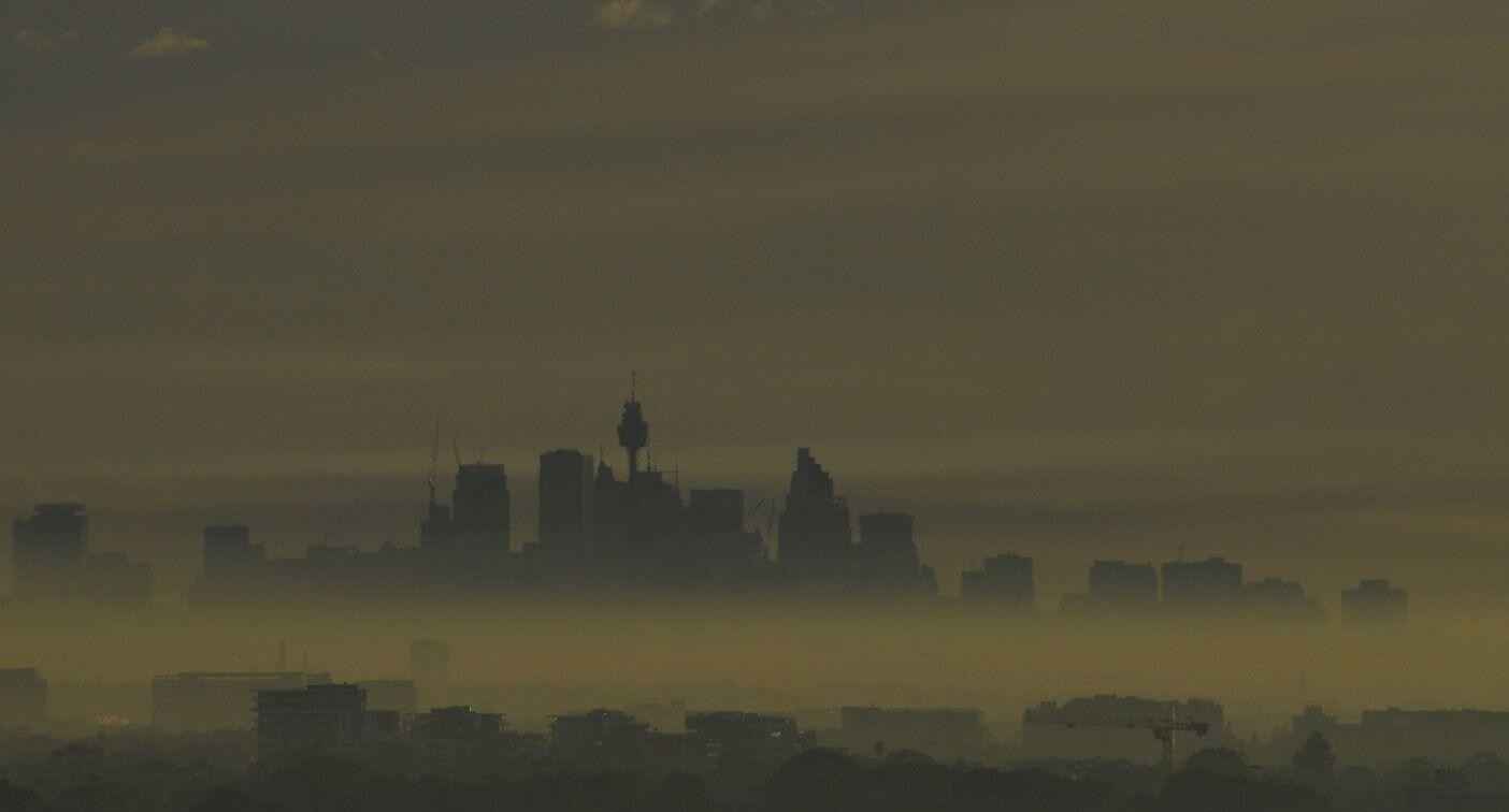 'This is dangerous': Residents reveal breathing problems as smokey haze blankets Sydney