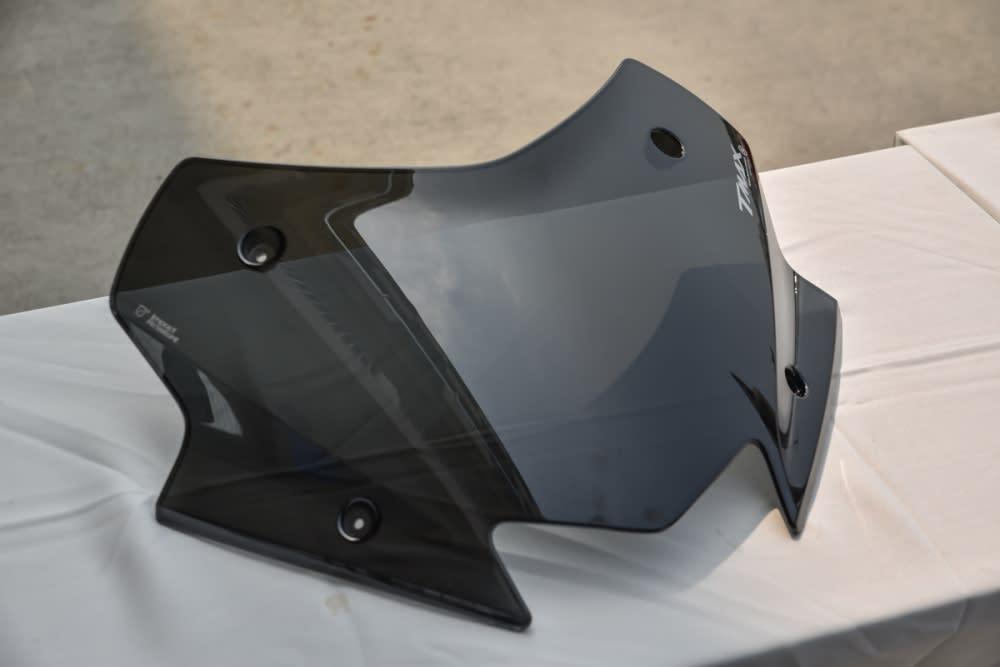 TMAX 運動短風鏡。