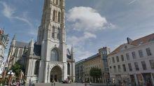 Des murs faits d'os humains découverts près de la cathédrale de Gand en Belgique