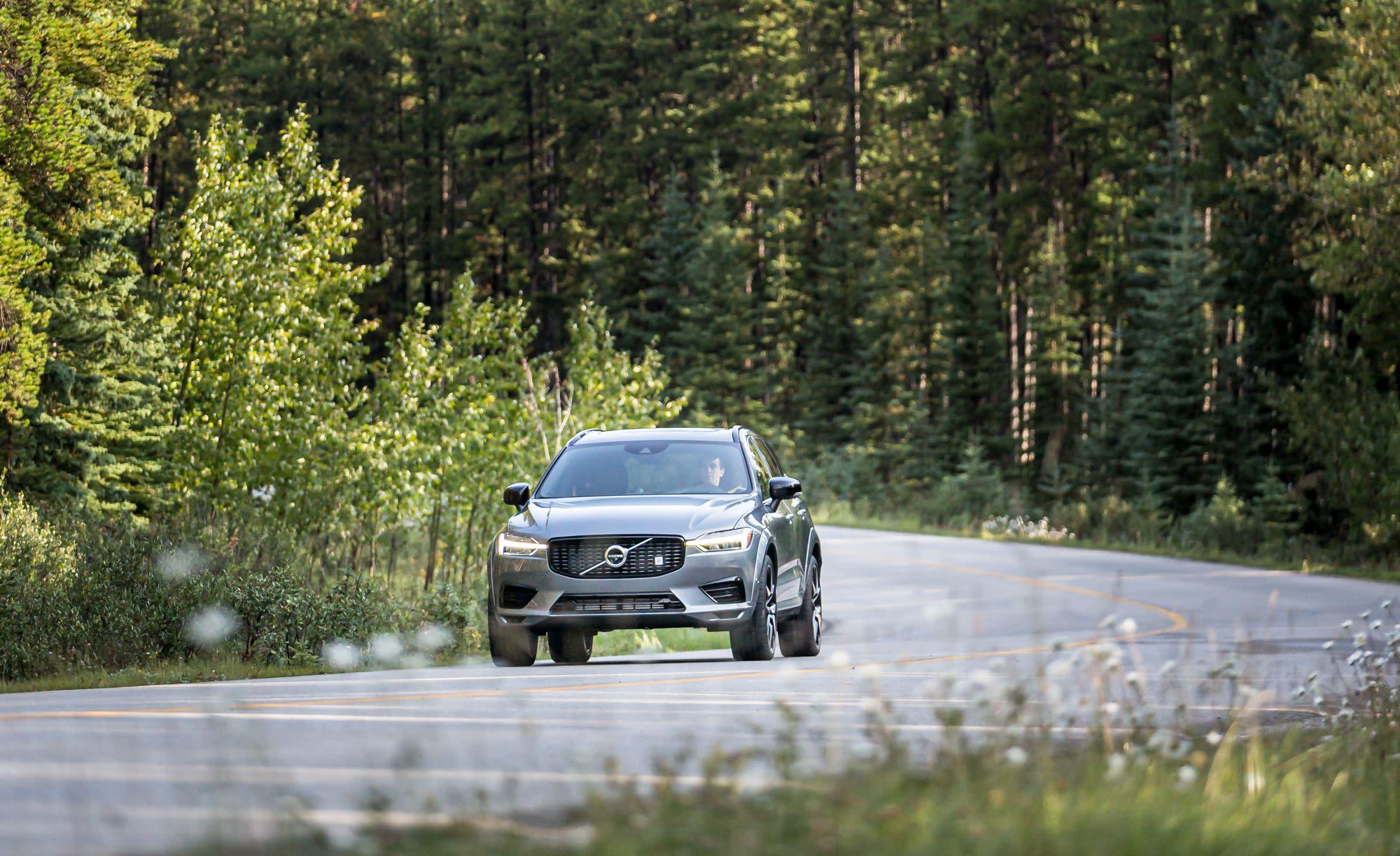 View Photos of the 2020 Volvo XC60 Polestar