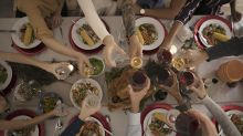 Wissens-Adventskalender: Türchen 12 - Diese Getränke passen zu Raclette, Gänsebraten & Co.