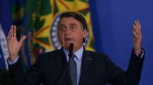 Bolsonaro recorre contra decisão de Celso de Mello e pede ao STF para depor por escrito