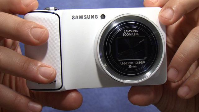 Samsung's Galaxy Camera has Android smarts