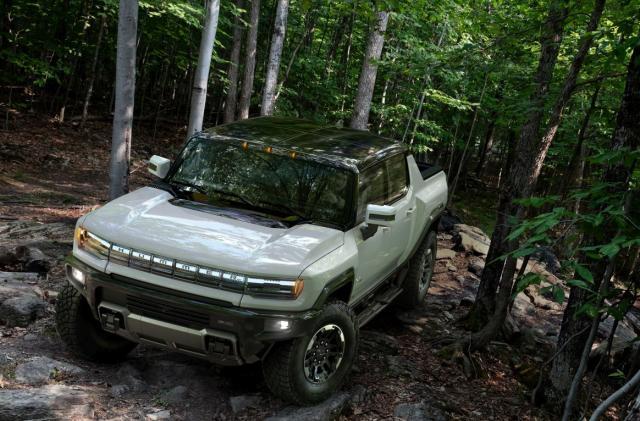 GMC's 1,000HP Hummer EV is an 'all-electric supertruck'