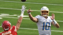 AP Source: Chargers' team doctor punctured Taylor's lung