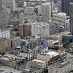 Unstable building, cranes hamper rescue try in New Orleans