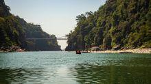 Take a boat ride in crystal-clear Dawki lake, you won't regret it