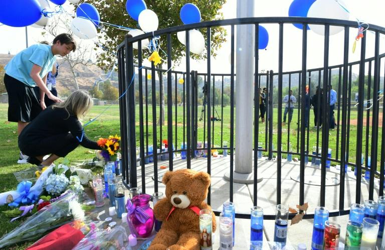 A memorial to the victims of the Saugus High School shooting is pictured on November 15, 2019 (AFP Photo/Frederic J. BROWN)
