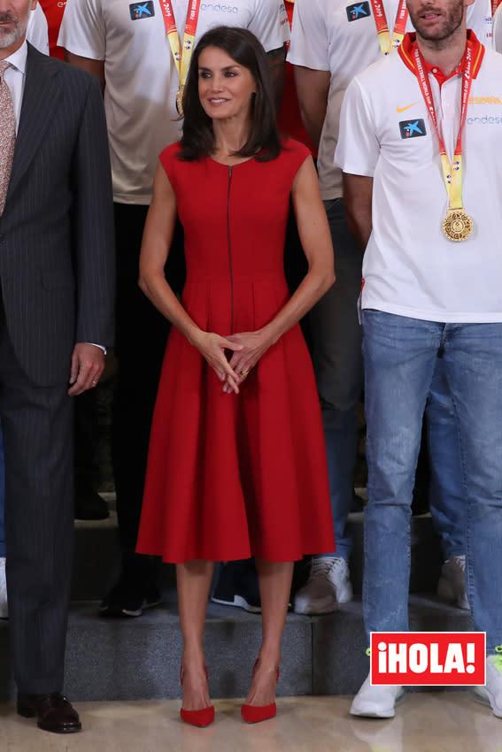 Doña Letizia no arriesga: todo al rojo para celebrar el triunfo de la selección de baloncesto