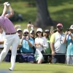 Golf-Thomas jumps into three-way tie for lead at Tour Championship