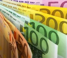 EUR/USD Price Forecast – Euro bounces slightly in low volume