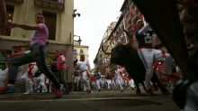 1 gored, 3 bruised while running with bulls in Pamplona