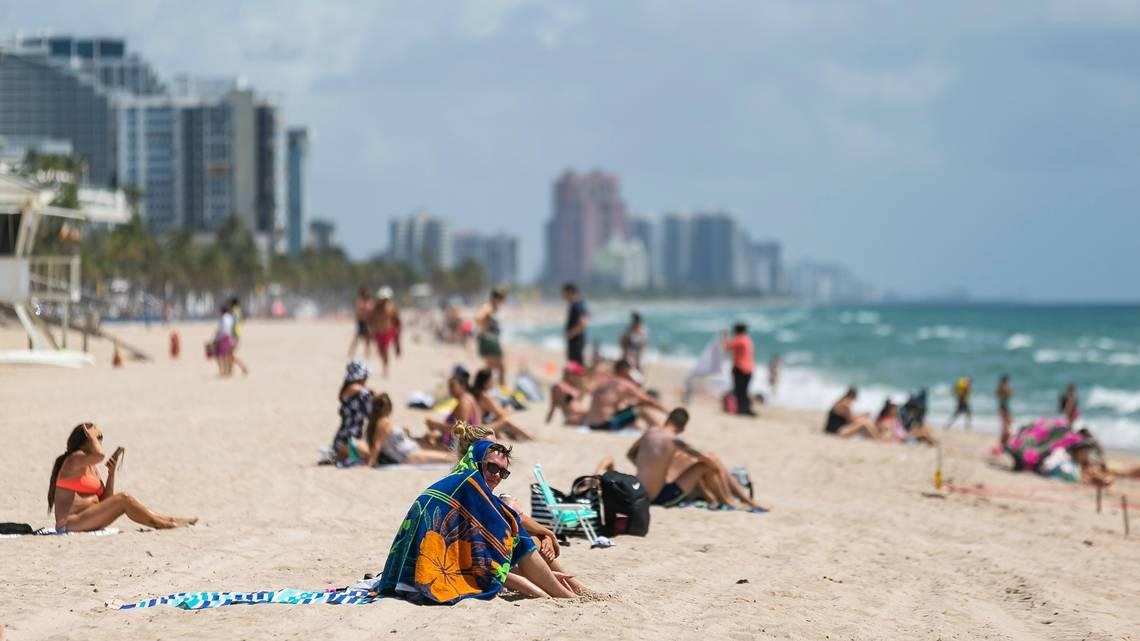 Protesters defy Fourth of July Fort Lauderdale Beach closure; no arrests made