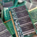 Toshiba, keen to seal $18 billion chips sale, wrestles with last-minute delays