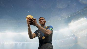 Kylian Mbappé répond (avec classe) à Pelé