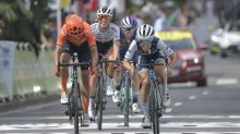 Last-gasp Lizzie Deignan snatches victory at La Course