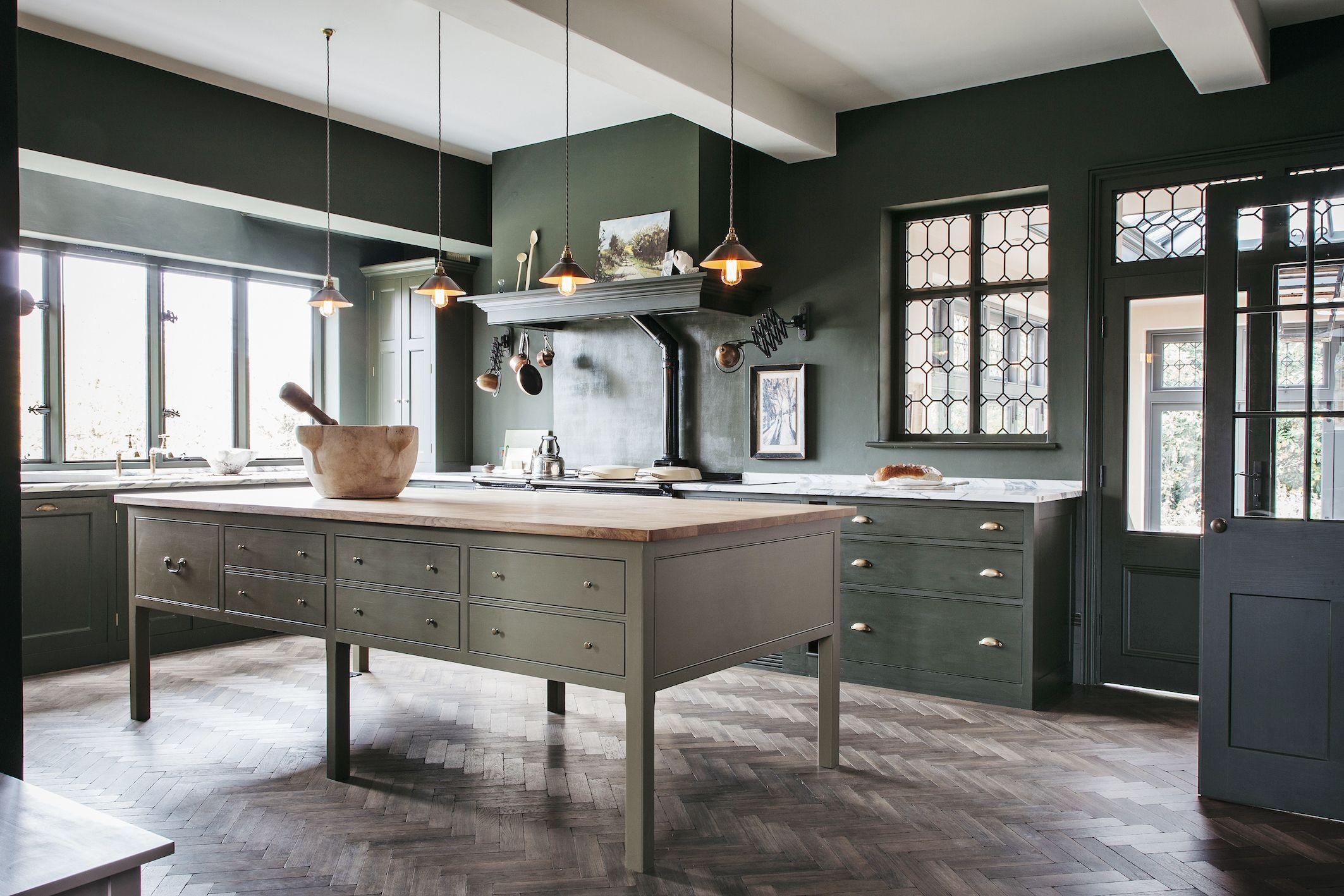 Get The English Country Kitchen Of Your Dreams With These