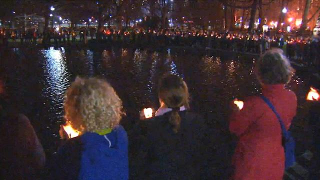 Boston Marathon explosions: Candlelight vigil held for victims
