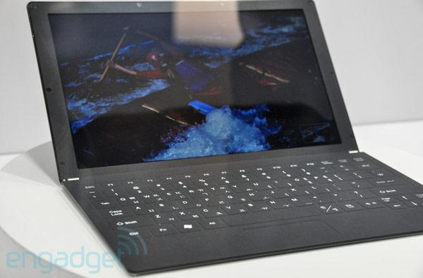 Samsung's 10.1-inch plastic LCD showcased in concept laptop, tablet at SID 2011 (video)