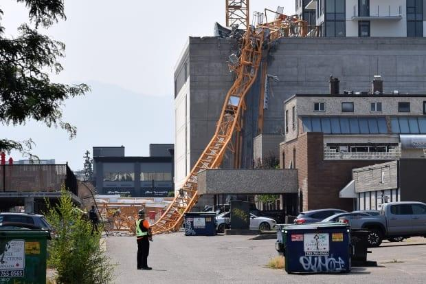 4 killed, another presumed dead in crane collapse in Kelowna, B.C.
