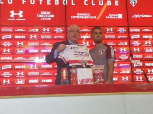 Morato explica apelido e busca se firmar no São Paulo: 'Chegou a hora'