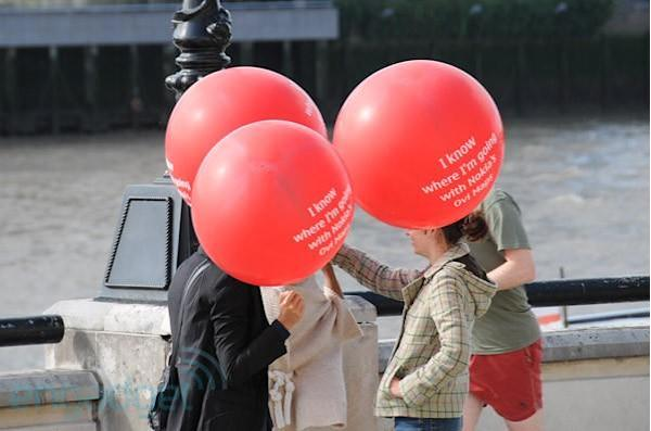 Nokia crashes HTC's London event with red balloons, hate