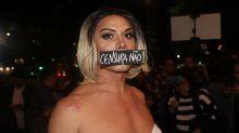 """Silvero Pereira protesta contra censura: """"Diga não para quem quer destruir direitos"""""""