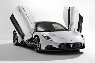 傳承純正賽車基因!新世代超跑Maserati MC20全球亮相