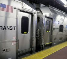 Rail accident at N.Y.'s Penn Station snarls travel; minor injuries