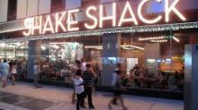 Shake Shack (SHAK) Q4 Earnings Surpass, Weak Comps a Woe