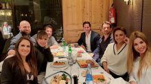 Chenoa se lleva de cena a su nuevo novio con sus amigas de 'OT'
