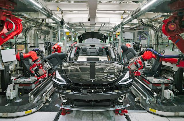 Tesla reportedly orders factory workers to show up despite shelter orders (updated)
