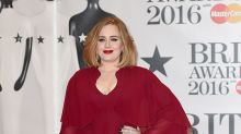 Breaking: Adele Goes Grocery Shopping
