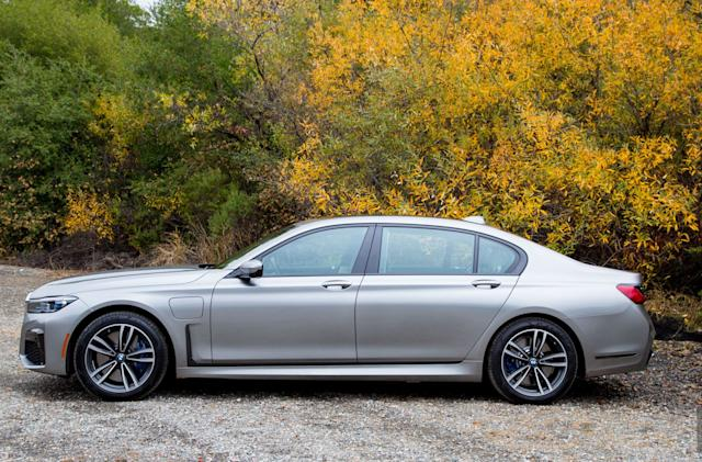 BMW wants to sell subscriptions to in-car features