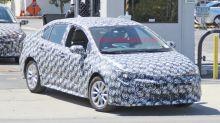 2020 Toyota Corolla sedan spied with less camo