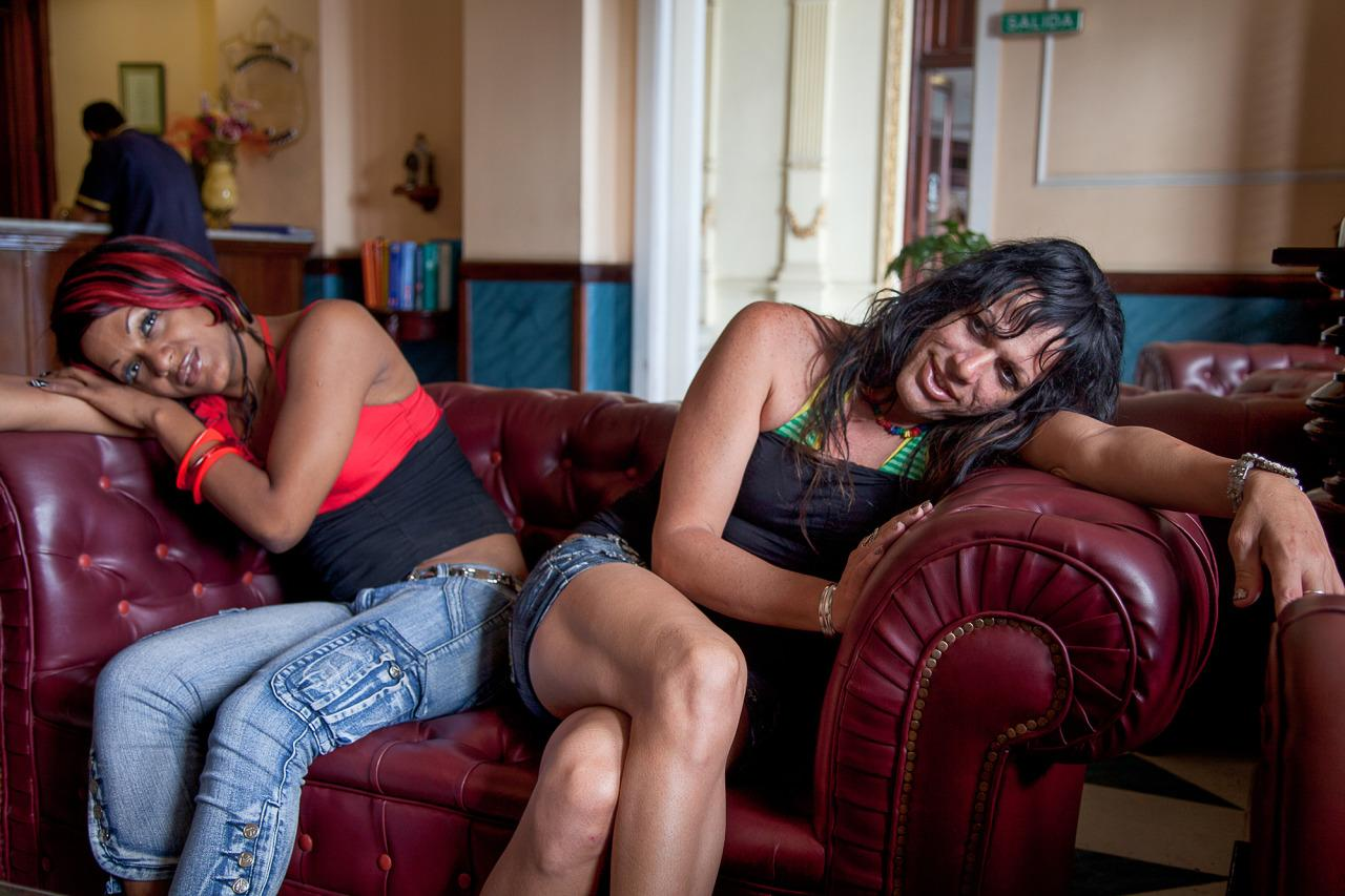 <p>Nomi and Amanda at Mariette Pathy Allen's hotel. <i>(Photo: Mariette Pathy Allen)</i></p>