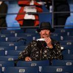 Trump supporter Kid Rock told to wear mask during Biden debate