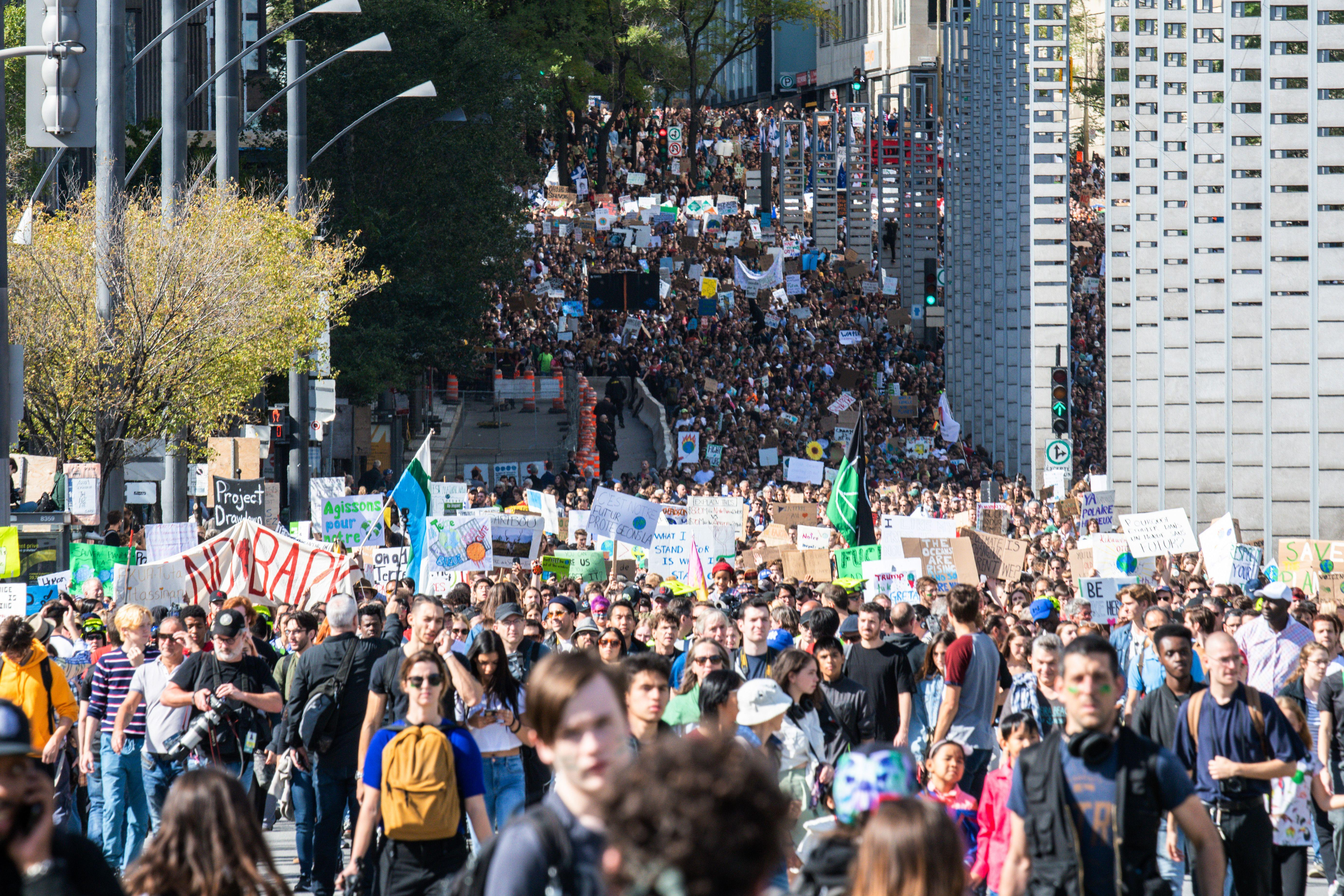 Greta Thunberg leads 500,000 people at Montreal climate rally